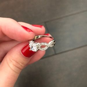 Jewelry - FREE W PURCHASE Candle Ring - Infinity Band